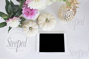 White pumpkins|gold pineapple|flower