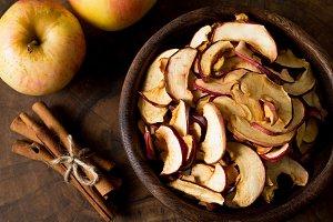 Dry apples