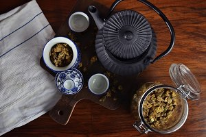 Chrysanthemum tea set