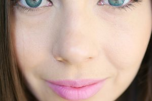 BudgetPIX: Closeup of beautiful girl