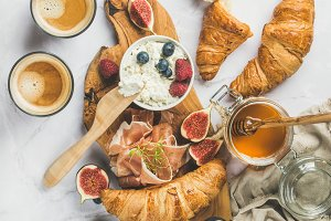 Breakfast with croissants
