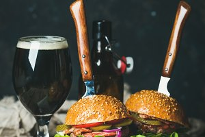 Beef burger with crispy bacon