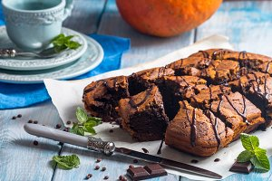 Pumpkin and chocolate brownies