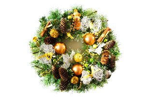 Bright Christmas wreath with cones