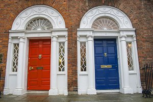 Red and blue doors in historical Dub