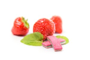 Aroma chewing gum with strawberries