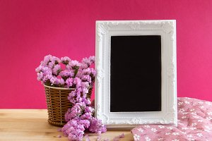Photo frame with Statice flower