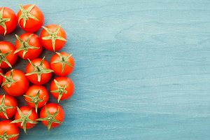 Small cherry tomatoes with leaf
