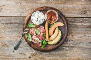 Prosciutto, melon, mozzarella & wine