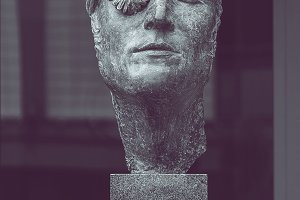 Sculpture of John Lennon