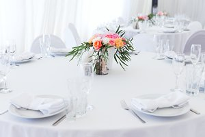 Served white wedding table layout