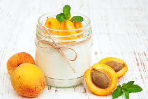 Yogurt with fresh apricots