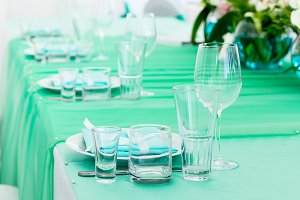 Served table layout