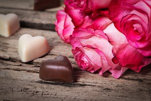 Pink roses with chocolate