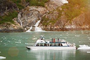 Boat tour in Alaska