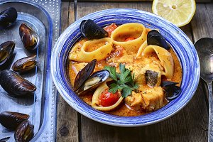 sauce with mussels