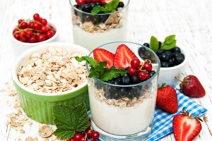 Yogurt with fresh berries