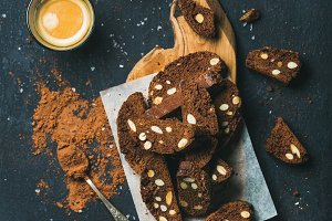 Dark chocolate Biscotti & coffee