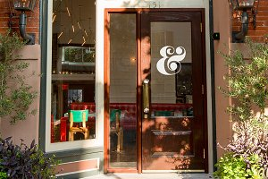 Cafe Storefront PSD Mockup #1