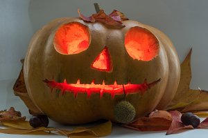 Halloween scary face pumpkin