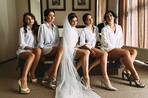 Bride with her lovely bridesmaids