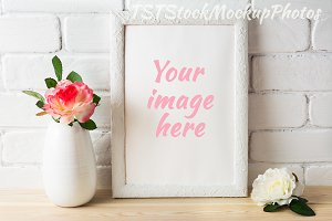 Frame mockup with pink roses