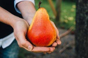 A photo of a pear