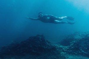 Male free diver