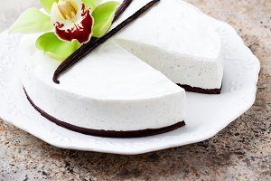 Vanilla and chocolate cheesecake