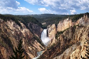 Water Falls in Yellowstone Canyon