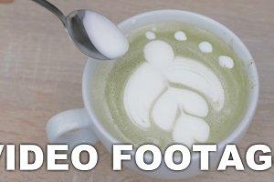 Final touches of latte art