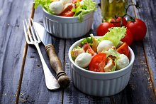 Salad with tomato and mozzarella