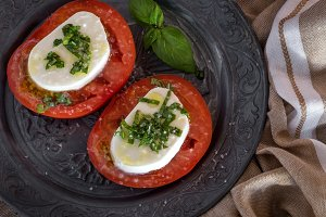 Caprese salad with mozzarella cheese