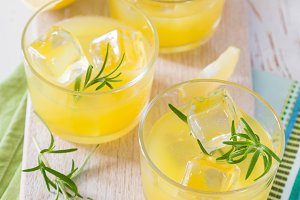 Lemon and rosemary cocktails