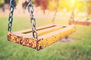 Chain swing in playground