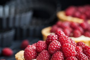 Raspberry mini tarts
