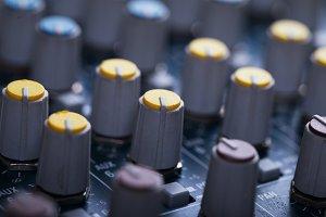 Music mixer consol