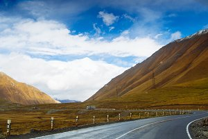 landscapes with mountains