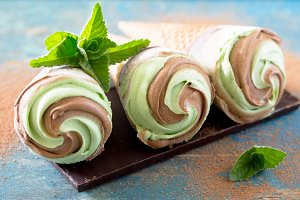 ice cream with mint and chocolate