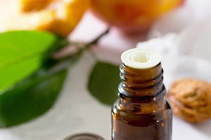 Cosmetic oil from the seeds of peach