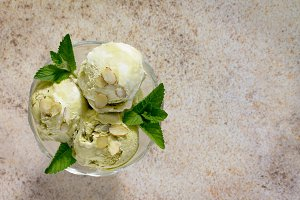 ice cream pistachio