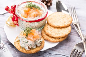 Smoked salmon, soft cheese and dill spread