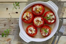Baked stuffed tomatoes with bacon