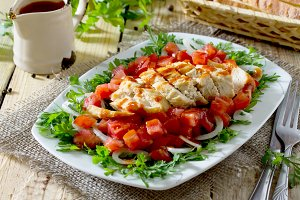 salad of grilled chicken