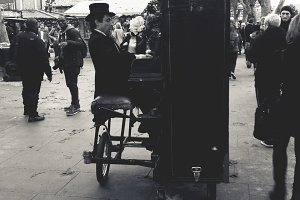 London Street Piano Player