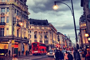 London street Piccadilly Circus