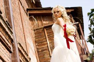 bride in amazing wedding dress