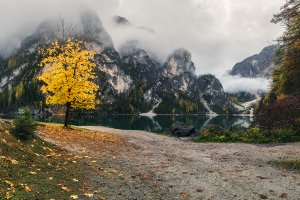 Lake Braies web