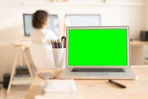 Green screen laptop computer