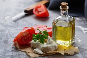 Feta cheese with tomato and oil